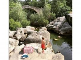 La riera de Merlès és un espai de bany popular durant l'estiu (imatge: bcnmoltmes)
