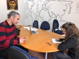 Álvaro Puertas, secretari general d'HIC a la seu d'iWith.org