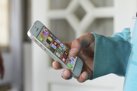 Aplicacions mòbils per a gent gran. Font: Pixabay