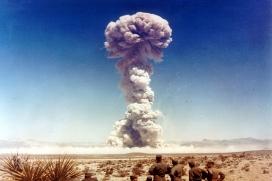 Prova de llançament d'una arma nuclear a Nevada (1951).