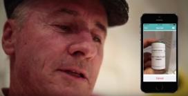 Una persona cega envia una imatge al voluntariat de BeSpecular