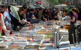 Parades de llibres durant la Diada de Sant Jordi