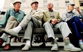 Els Amics de la Gent Gran necessiten persones voluntàries per acompanyar gent amb edat avançada.