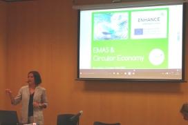 Maria Passalacqua durant una presentació