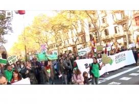 Milers de persones van participar en la Marxa pel Clima a Barcelona