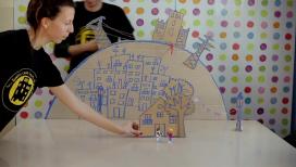 Fotograma del vídeo que explica com treballa el Projecte Paidós Roquetes