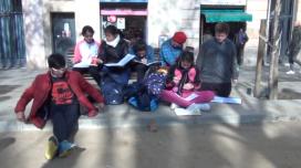 """Fotograma de """"Somnis i drets"""" de l'Escola Collasso i Gil amb La Llama"""