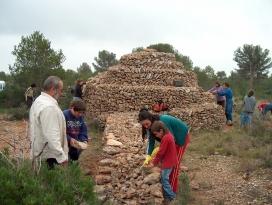 Restauració d'una barraca a Montroig del Camp (imatge: pedrasecamont-roig.com)
