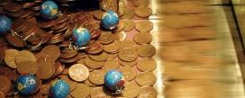 boles del món i monedes_p22earl_Flickr