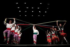 Esbart Marboleny + Marbolets (Cercle de Cultura Tradicional i Popular Marboleny).