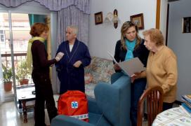 Atenció sanitària i social unificada en un dels pisos per a gent gran tutelats a Barcelona. (Font: 20minutos.es)