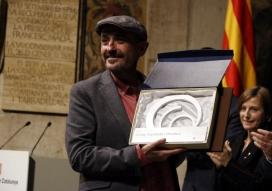 Carles Capdevila recollint el Premi Nacional de Comunicació