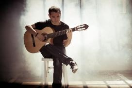 Cesk Freixas actuarà al concert benèfic 25è aniversari del Grup Caliu (8 d'abril, Barcelona)