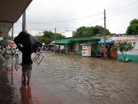 Les inundacions deixen 34.000 persones sense casa ni llum. Font: fabulousfabs, Flickr