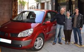 Donació d'un cotxe a la Fundació Roure per part d'un particular