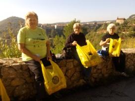 El voluntariat de la CR Montserrat col·labora amb el Parc Natural i amb el Monestir de Montserrat (imatge: CR Montserrat)