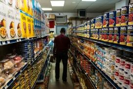 La majoria dels productes dels supermercats són aliments processats. Font: Wikipedia