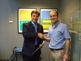 Lluís Permanyer i Alex Brenchat després de firmar el conveni