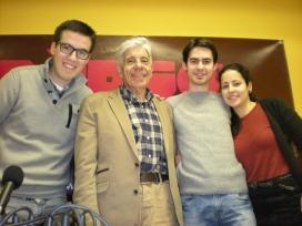 Equip de Ràdio Ateneu del Clot amb el dr. Estivill (font: Ràdio Ateneu del Clot)