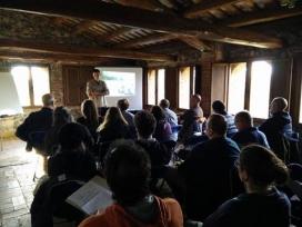 Les sessions estan composades per una part teòrica i una pràctica (imatge: fundacióemys.org)