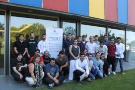 Joves participants en la primera edició del programa Enfoca't. Font: Fundesplai