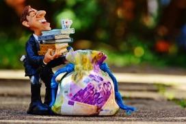 L'evasió d'impostos per part de les multinacionals, una de les principals causes de les desigualtats. Font: Pixabay