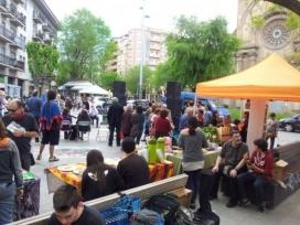 Foto del 5 de maig de la Festa del Comerç Just a Sant Andreu (Barcelona)
