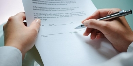 Signatura contracte. Font: NAFA. Asesores y consultores