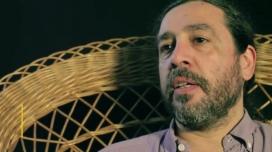 Hernán María Sampietro, psicòleg social en un dels vídeos de la campanya. Font: Obertament