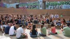 Voluntariat internacional en una sessió formativa. Font: COCAT