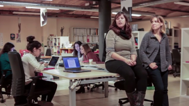 """Fotograma del vídeo de la campanya """"300 raons per ser feminista avui"""""""