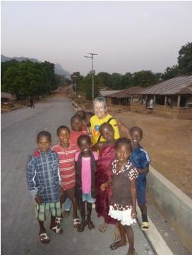 Josefina Díaz en un projecte a Koinadugu, Sierra Leone. Font: MdM