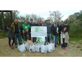 Voluntaris i voluntàries durant un dels actes de la passada edició a Torredembarra (imatge: @eli_fores)