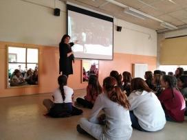 Xerrada per part de persones voluntàries que han participat en els Camps - Foto: Lleida pel Refugiats