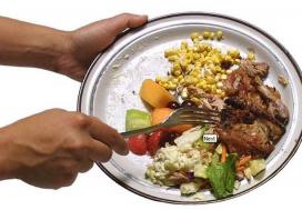 Llençar menjar. Imatge amb llicència CC BY 2.0 de galeria Flickr de jbloom