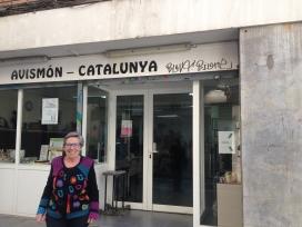 Magdalena Blasco a Barcelona, davant l'oficina de la Fundació. Font: Júlia Hinojo