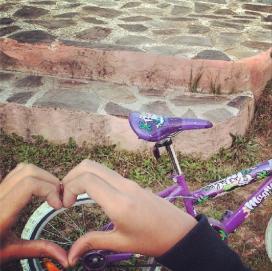 Mans que promouen la mobilitat sostenible (imatge:instagram/xvac)