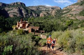 Dos corredors participen a la Primera Marató de Muntanya de Catalunya a l'edició del 2014.