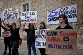 Marxa contra la violència de gènere. Acció de l'Assamblea Mixta de la UdG al rectorat de les Àligues, en protesta contra la violència masclista. /Carles Palacio (Font: flickr.com)