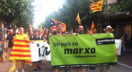 """La """"Marxa cap a la independència"""" a la Jonquera. Foto: Llibertat.cat"""