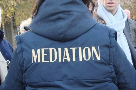 Mediation. Font: dalbera (Flickr)