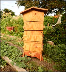 El model de rusc Barcelona, està inspirat en un model de l'apicultor Abbé Émil Warré