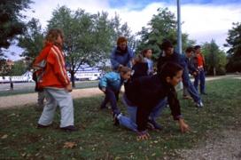 Nens al parc. Font: Banc d'imatge del Ministeri d'Educació, Cultura i Esport