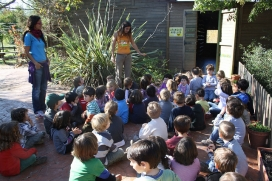 Activitats amb infants. Font: 1000grues/Escola Sadako