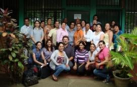 Participants al seminari després de la seva clausura
