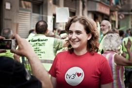 L'alcaldessa de Barcelona, Ada Colau, en un acte reivindicatiu de la PAH