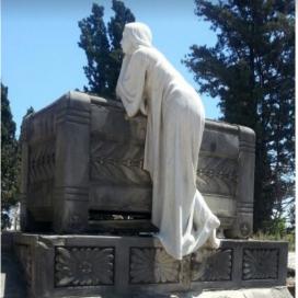 Escultura del panteó Flo i Escudé del cementiri de Montjuïc recuperada per Coeterium.