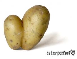 Les fruites i verdures imperfectes, descartades dels circuits de venda convencionals només per valors estètics, són els ingredients per l'elaboració dels productes d' Es Imperfect, de Espigoladors (imatge: es imperfect)