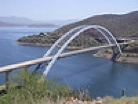 Fotografia d'un pont. Font: Galeria de Al_Hikes a Flickr