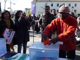 Campanya informativa d'AMIC - UGT de Catalunya sobre la inscripció al cens elect